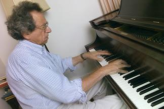 David Mermin en el piano