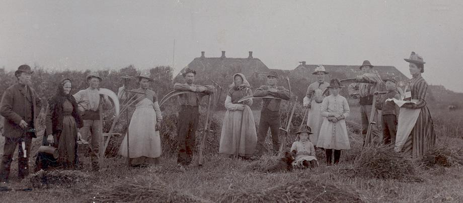 UER.2002.014.002_Family-Danish