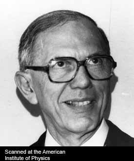 Foto de Maurice Françon (1 de septiembre de 1981). Foto del American Institute of Physics