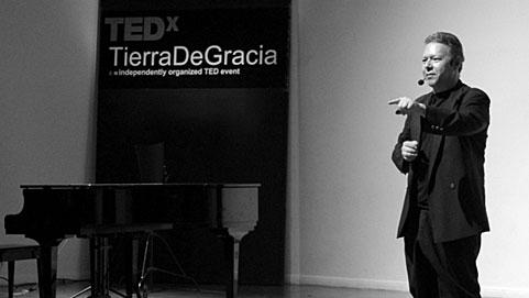 José Álvarez Cornett, organizador de TEDx Tierra de Gracia, celebrado el 6 de noviembre de 2010.